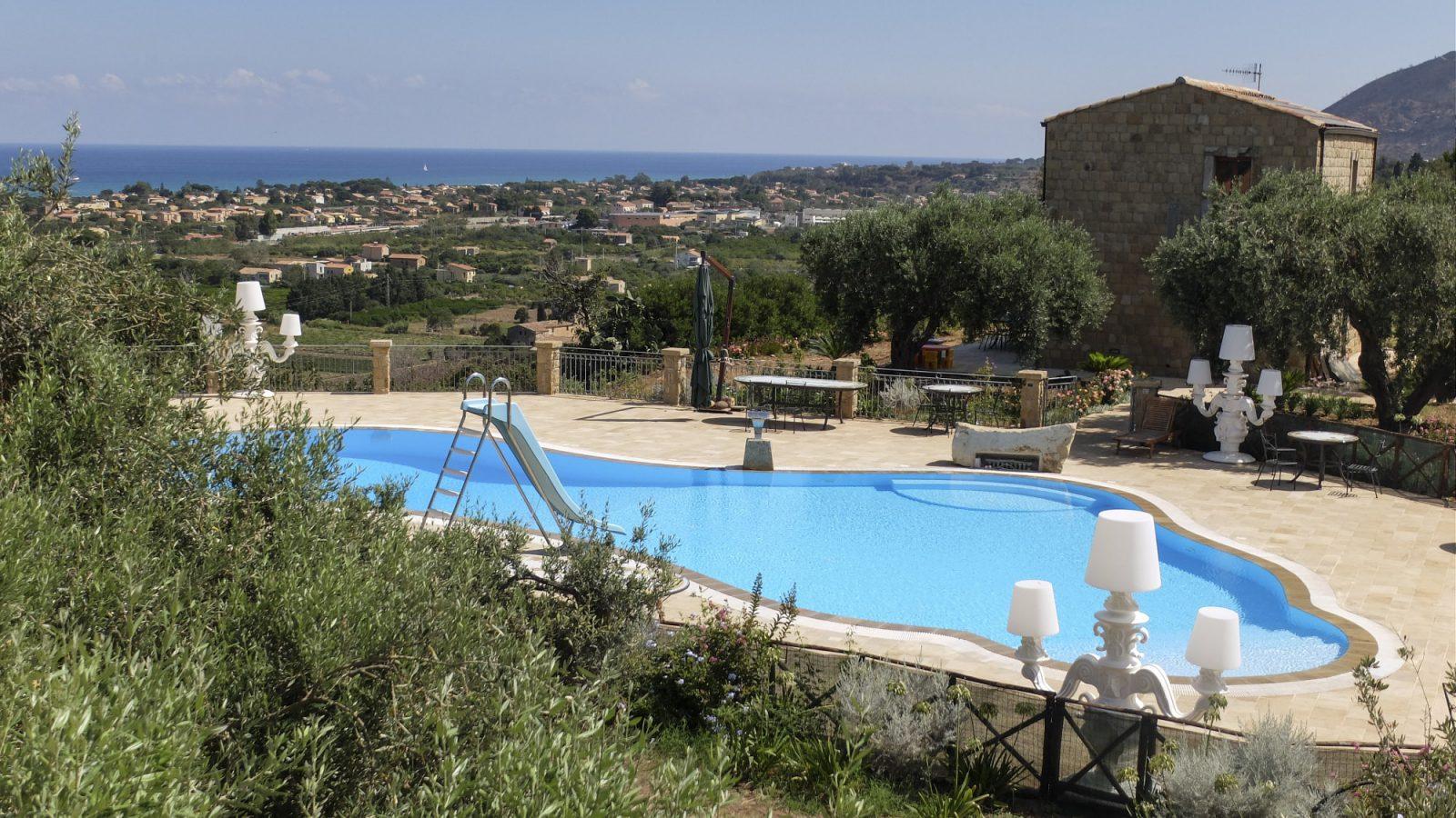 Agriturismo Terrazze sul Tirreno - Agriturismo in Sicilia